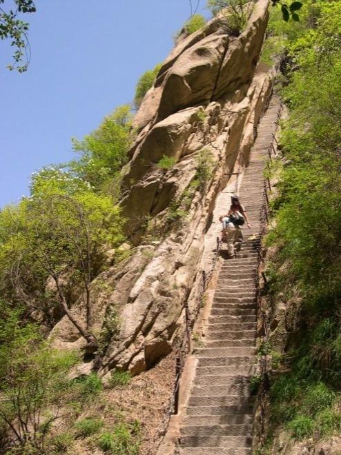Экстремальный туристический маршрут по горе Хуашань
