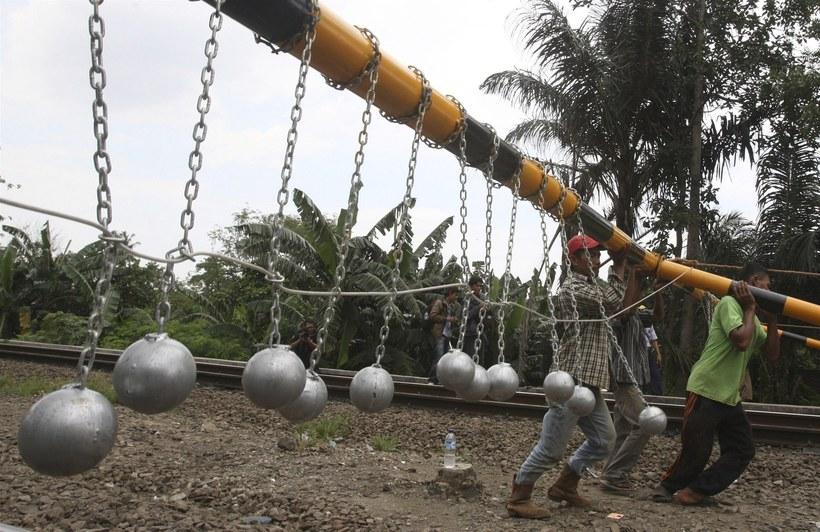 Как власти Индонезии борются с «зайцами»