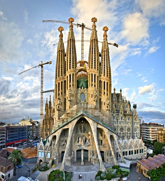 barcelona an ideal town to visit