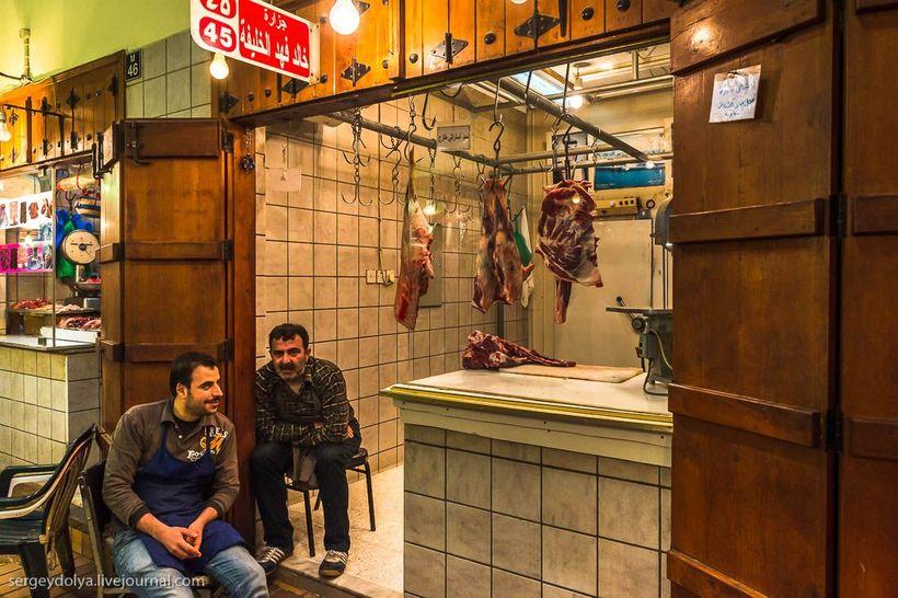 6 Путешественник показал, как и чем торгуют на рынке в Кувейте