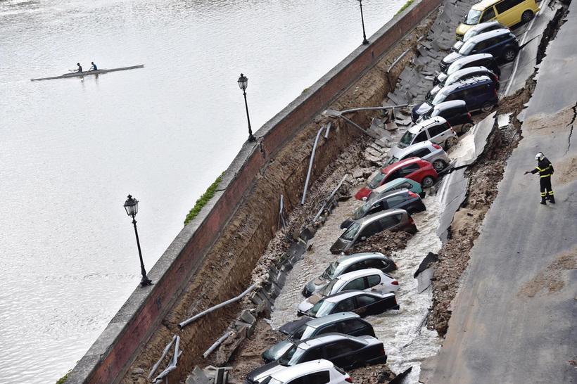 Почему осторожному автолюбителю не стоит парковаться на набережной