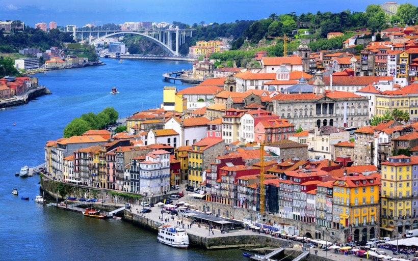 Porto-old-town-and-river-Douro-cropped-xlarge.jpg?1486480266