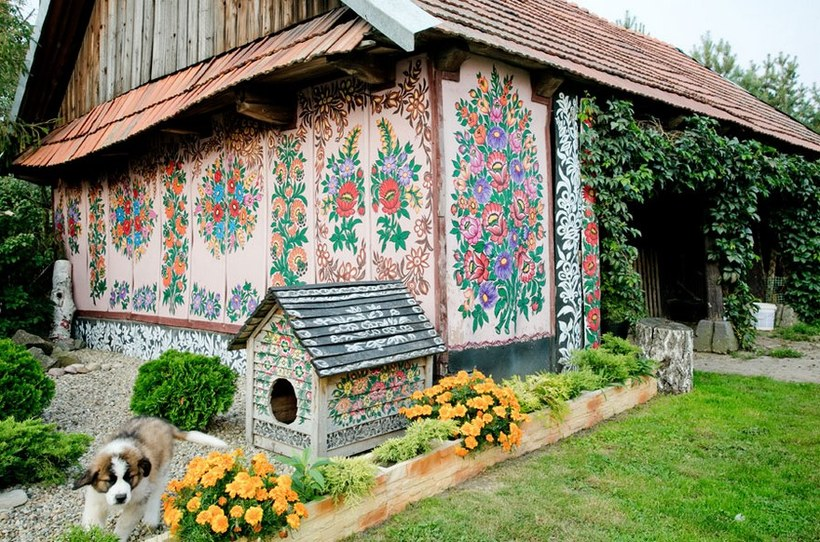 10 изумительных фото польской деревни, где все расписано цветами