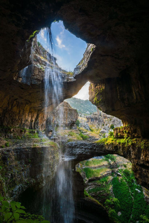 Девять самых необычных водопадов в разных уголках планеты, которые стоит увидеть!