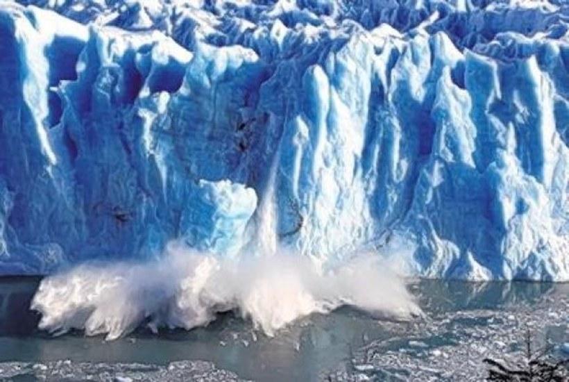 Самый большой в мире айсберг тает с двух сторон: к чему это приведет