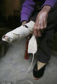 Деревня в Китае, где доживают свой век последние «женщины-лотосы»