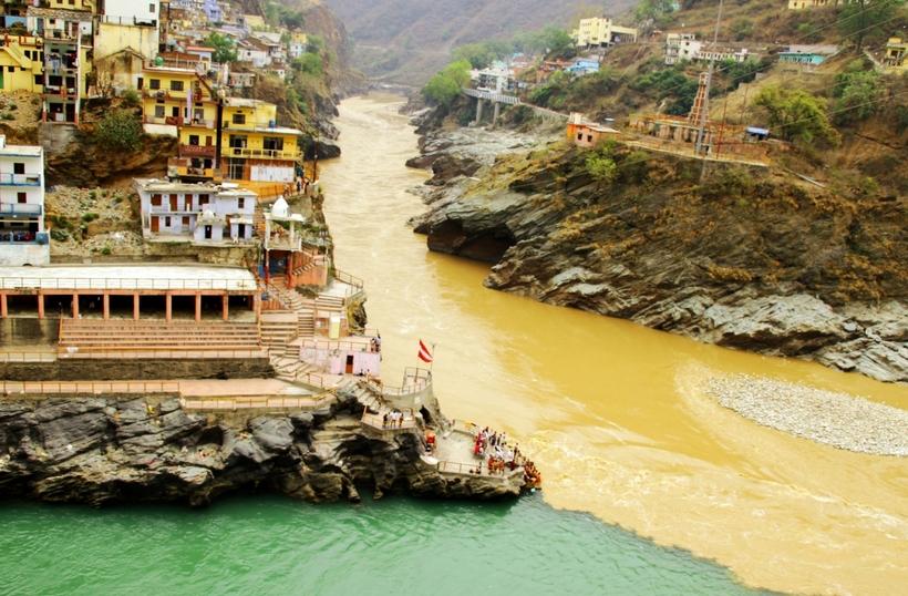 Свадьба рек: исключительные места на планете, где сливаются разные по цвету реки