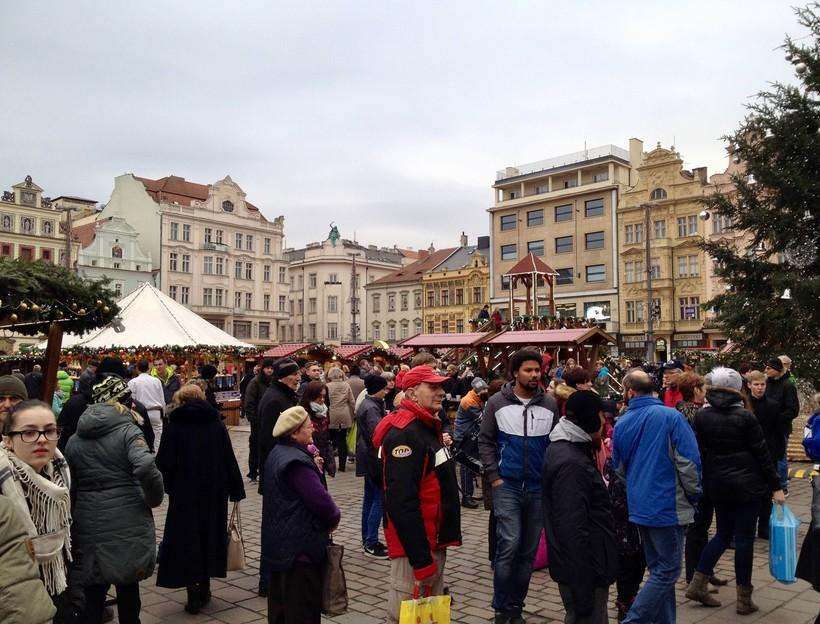 Прага в декабре фото туристов сдержанно