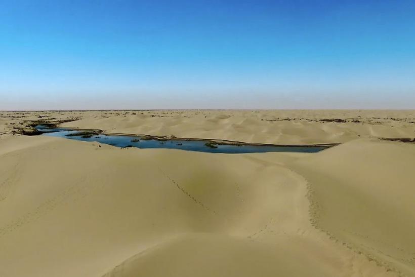 Река Тарим, растворяющаяся в песчаной пустыне