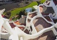 Необычный отель-скульптура в Уругвае, который вручную вылепил художник
